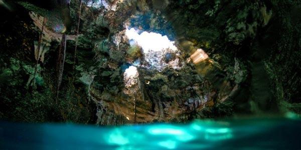 thunderball-grotto-staniel-cay-bahamas