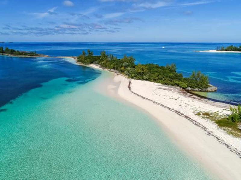 Private Charter flights to Bahamas