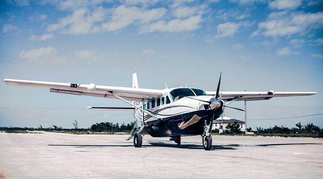 flights to Bahamas Plane